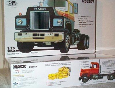 Mack R685ST Model Kit