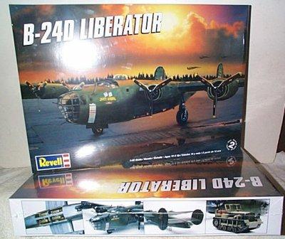 B-24D Liberator WW II Bomber Model Kit