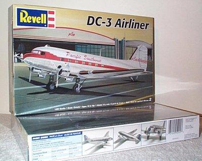 Douglas DC-3 Airliner Plastic Model Kit