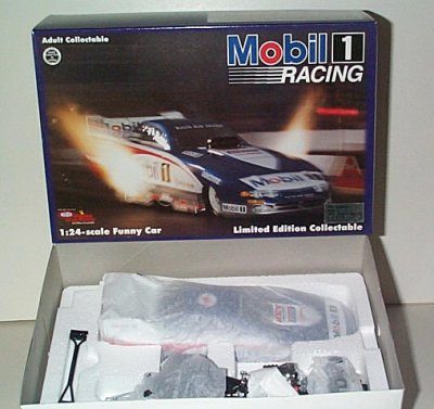 Whit Bazemore Mobil 1'95 Dodge Funny Car