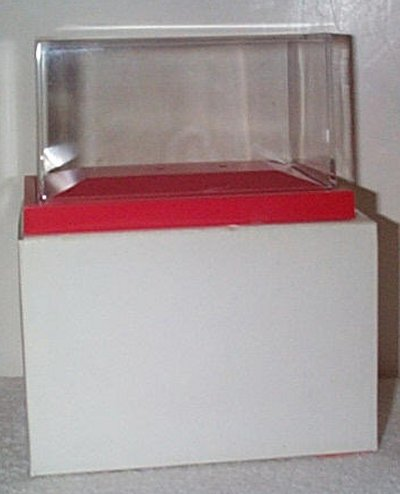 Display Case For Zamboni D-500 Red Base