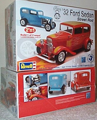'32 Ford Sedan Street Rod 2'n 1 Model Kit