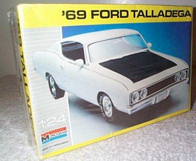 '69 Ford Torino Talladega Model Kit