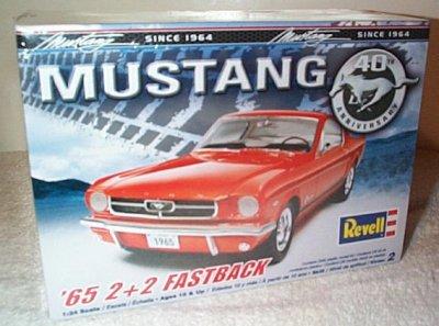 '65 Ford Mustang 2+2 Fastback Model Kit