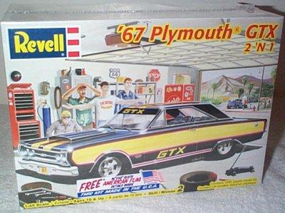 '67 Ply. GTX 2'n 1 Plastic Model Kit