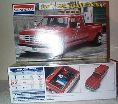 Ford F  Dually Pickup Model Kit