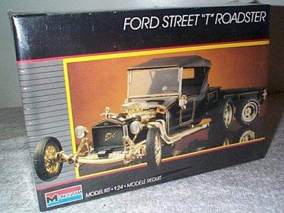 Ford Street T Roadster W/Trailer Model Kit