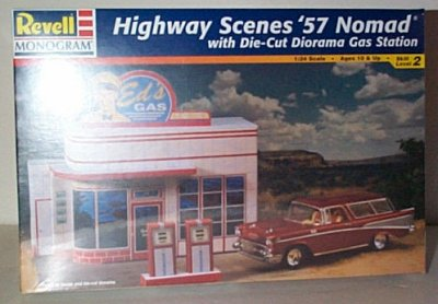 Highway Scenes '57 Nomad w/Gas Station Model
