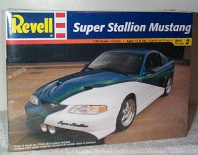 Super Stallion Ford Mustang Model Kit