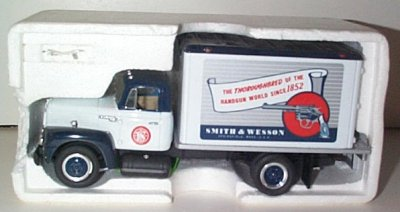 Smith & Wesson '57 International Dry Goods Van
