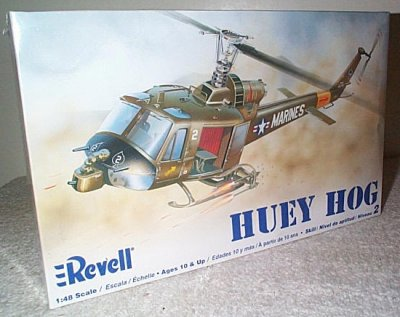 UH-1C Huey Model Kit